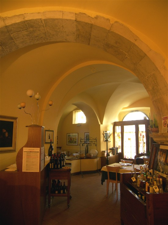 Ristorante Clemente in Sulmona offers the genuine dishes of Abruzzo.