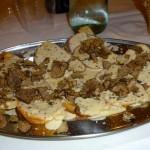 Crostini al tartufo nero